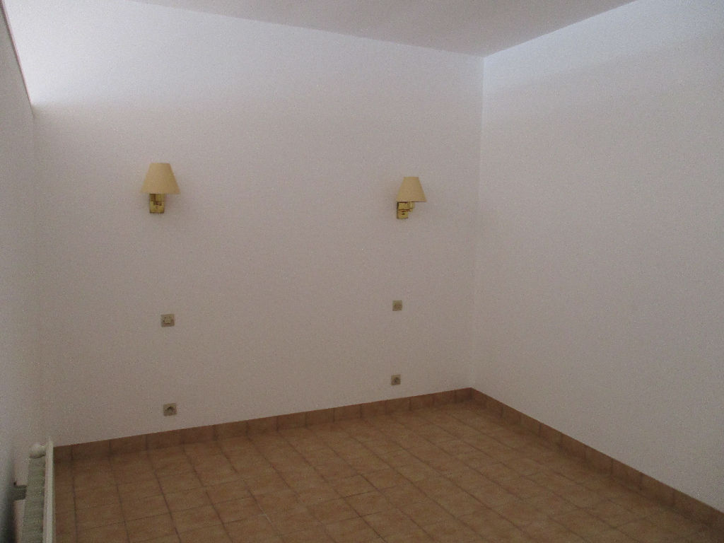 appartement-nozay-2-piece-s-45-m2